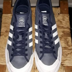 Adidas Hi top blue shoes